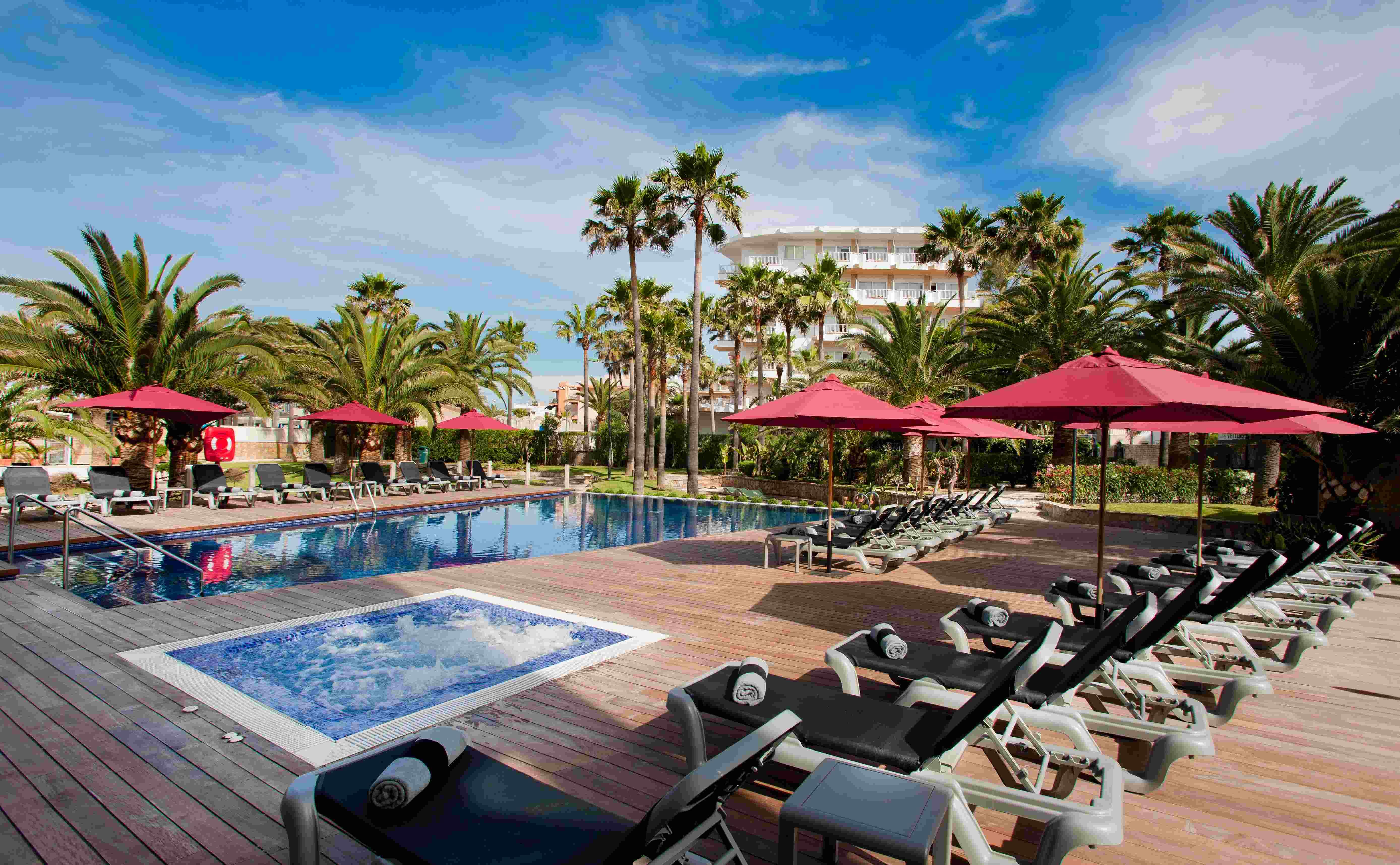Playa Golf Hotel