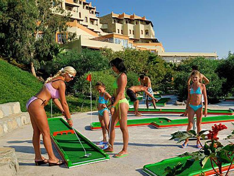 Green Beach Hotel