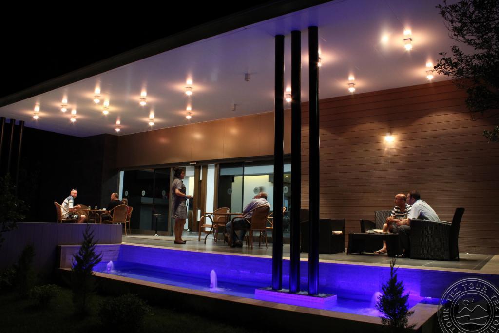 Monna Roza Garden Resort